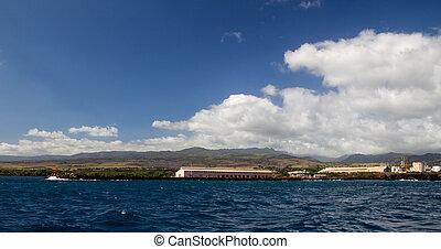 Port Allen, Kauai, Hawaii - Industrieanlagen am Ufer von...