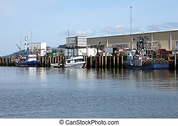 Port of Astoria & fishing boats, OR - Fishing boats ...