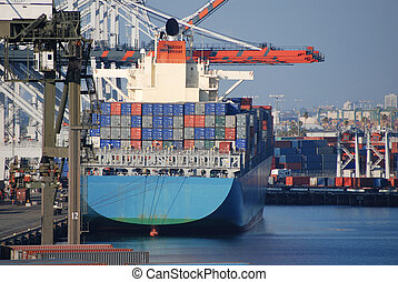 Port of Los Angeles - Industrial shipping port in San Pedro...