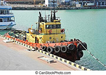 port, remorqueur