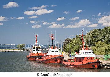 port., towboats
