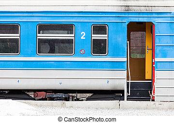 porta azul, closeu, velho, cima, treine estação, branca, abertos, modelo