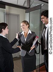 porta, lavoratori ufficio, mani, boardroom, tremante