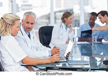 portable utilisation, deux, médecins