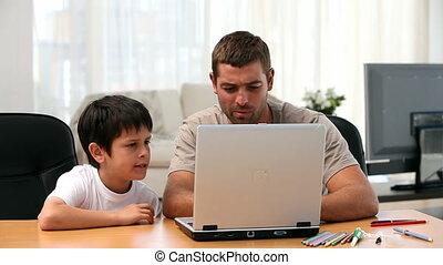 portable utilisation, père, fils