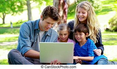 portable utilisation, parents, enfants