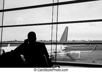 portail, aéroport, silhouette, homme affaires