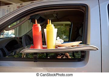 portatile, automobile, tavola, con, condimenti, a, uno, takeaway