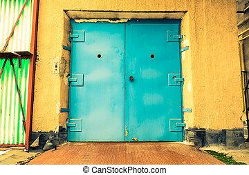 porte industrielle, ascenseur, fermé, vieux bâtiment