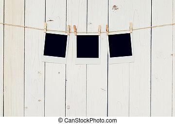 porte-photo, trois, space., (3)blank, bois, fond, pendre, blanc