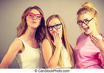porter, élégant, lunettes, femmes
