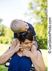 porter, épaules, fils, parc, mère