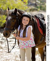porter, été, peu, jockey, poney, 7, casque, cheval, ou, jeune, années, sécurité, tenue, 8, vieux, sourire, vacances, bride, girl, heureux