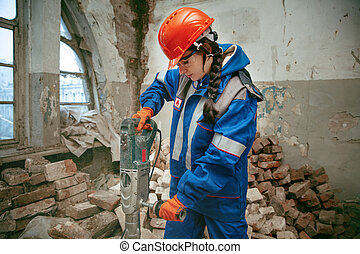 porter, casque, femme, travail, utilisation, mâle, outils