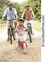 porter, casques, cyclisme, famille, campagne, sécurité