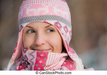 porter, chaud, jolie fille, chapeau, écharpe