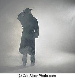 porter, debout, femme, manteau, tranchée, brouillard