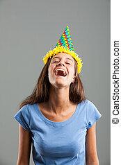 porter, femme, jeune, quoique, rire, chapeau partie