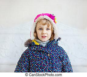 porter, manteau hiver, portrait, girl, chapeau, heureux