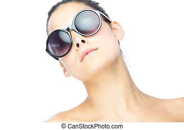 porter, mignon, brunette, lunettes soleil, femme, gigantesque