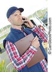 porter, mobile, casquette, ouvrier, téléphone, entrepôt, utilisation