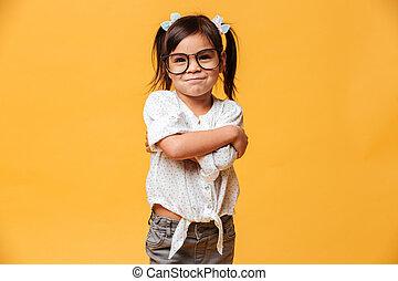 porter, peu, gai, enfant, girl, lunettes