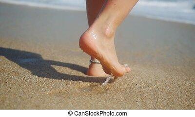 porter, pieds, marche, femme, encombrements, motion., bracelet, partir, exotique, sable, lent, mer, plage, 1920x1080