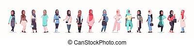 porter, plat, différent, ensemble, femme, headscarf, filles,...