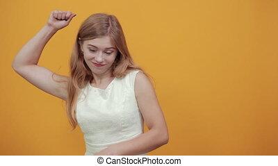 portez femme, projection, doigt, sérieux, il, jeune, muscles...