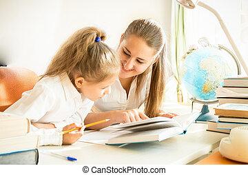 portion, fille, devoirs, mère