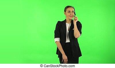 portion, service., vert, client, écran, femme affaires, sourire heureux, casque à écouteurs