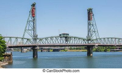 Portland Hawthorne Bridge - Time lapse of the hawthorne...