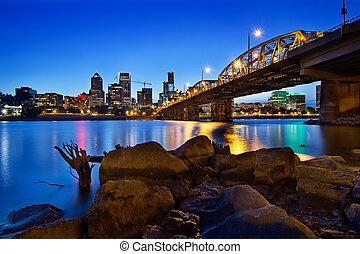 Portland Oregon Skyline at Blue Hour - Portland Oregon City...