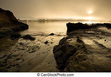 porto, nebuloso, sobre, califórnia, amanhecer