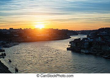 porto, rivière, crépuscule, sur, douro, portugal.