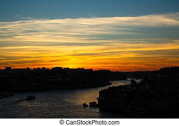 porto, sur, portugal., douro, rivière, crépuscule