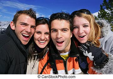 porträt, feiertag, friends, zusammen, ski fahrend