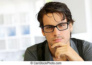 porträt, hübsch, mann, junger, brille
