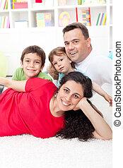porträt, ihr, junge familie, daheim