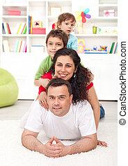 porträt, junge familie, glücklich