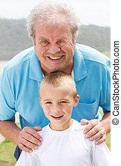 porträt, opa, enkel, glücklich