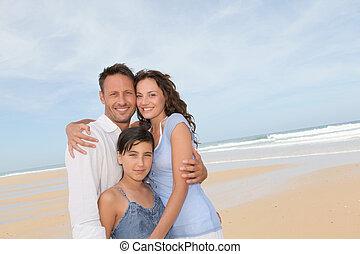 porträt, sandstrand, familie, glücklich