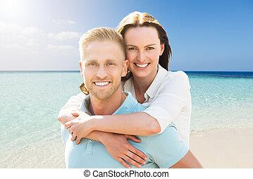 porträt, von, a, frohes ehepaar