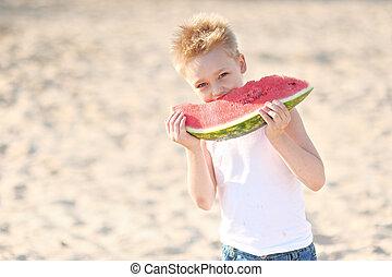 porträt, von, a, kleiner junge, strand, in, sommer