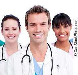 porträt, von, a, positiv, medizinische mannschaft, gegen, a, weißer hintergrund