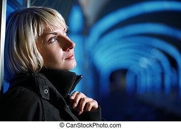 porträt, von, a, schöne , blond, frau, nacht
