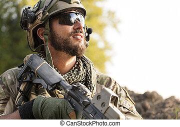 porträt, von, amerikanische , soldat, weg schauen