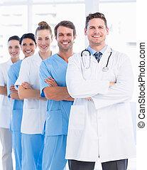 portræt, i, tillidsfuld, glade, gruppe, i, doktorer