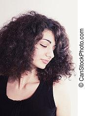portræt, i, ung pige, hos, curly hår