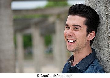portré, közül, egy, boldog, fiatalember, mosolygós, szabadban